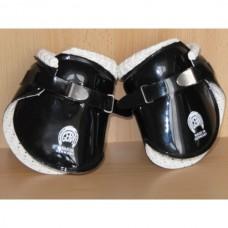 Zadní chrániče na nohy koně od Gera Ferroplast, struhavky v různých barvách a velikostech
